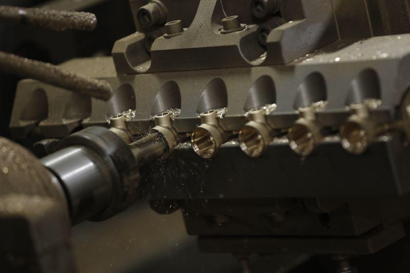 cnc machine manifold